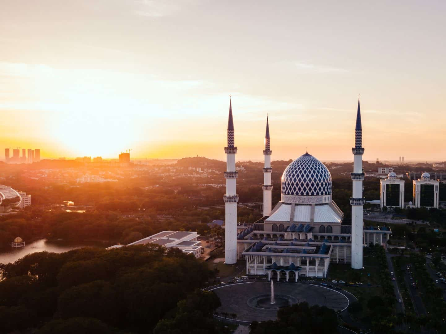 Halal food industry in Malaysia: Malaysia can command the